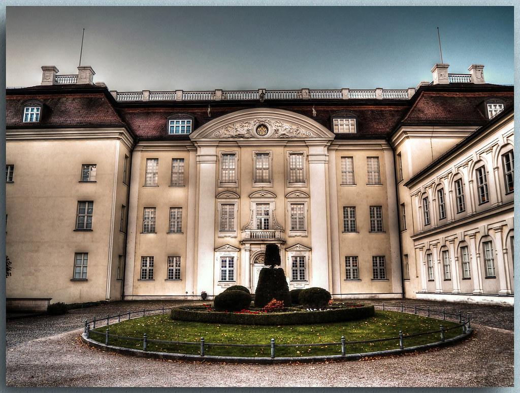 Berlin Hotel Essentis