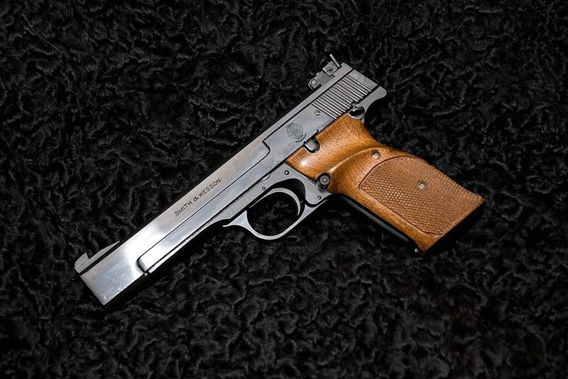 Quel Pistolet vous ferait plaisir! - Page 4 26423525579_7e50d68766_c