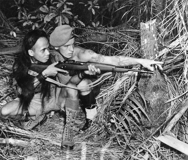 malayan-emergency-no-5-jungle-commando-short-magazine-lee-enfield-smle-dayak-tracker