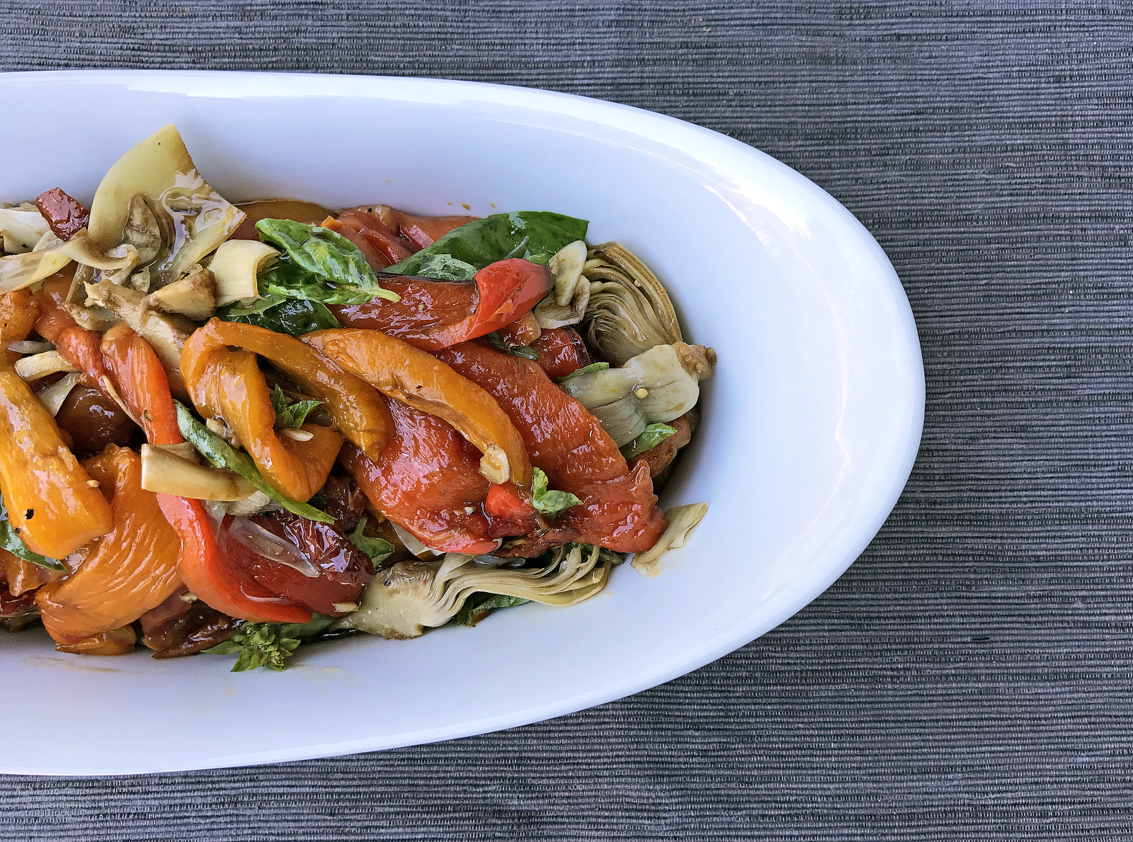 Roasted pepper and artichoke antipasto