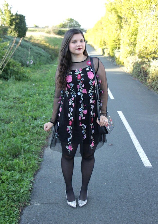 comment_porter_petite_robe_broderi_conseils_blog_mode_la_rochelle_1
