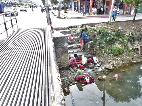 n-pokhara-Pagode-Paix-descente (20)