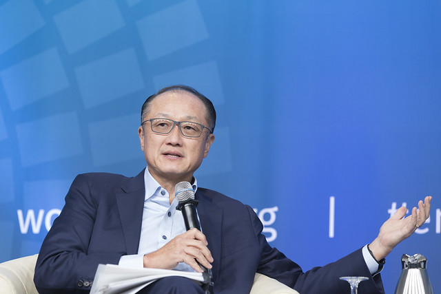 Tue, 10/10/2017 - 16:31 - October 10, 2017 - WASHINGTON DC. World Bank / IMF 2017 Annual Meetings.  Challenging Business as Usual: A Conversation between Jim Yong Kim and Hamdi Ulukaya  JIM YONG KIM, President, World Bank Group HAMDI ULUKAYA, CEO, Chobani and Founder, Tent Foundation  Photo:  World Bank / Simone D. McCourtie