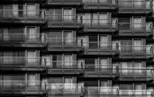 Der Wohnblock / the apartment block