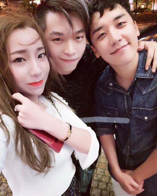 BIGBANG - credit on pic via _BBmusic - 2017-10-16