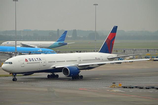 Delta Air Lines N861DA Boeing 777-232ER cn/29952-207