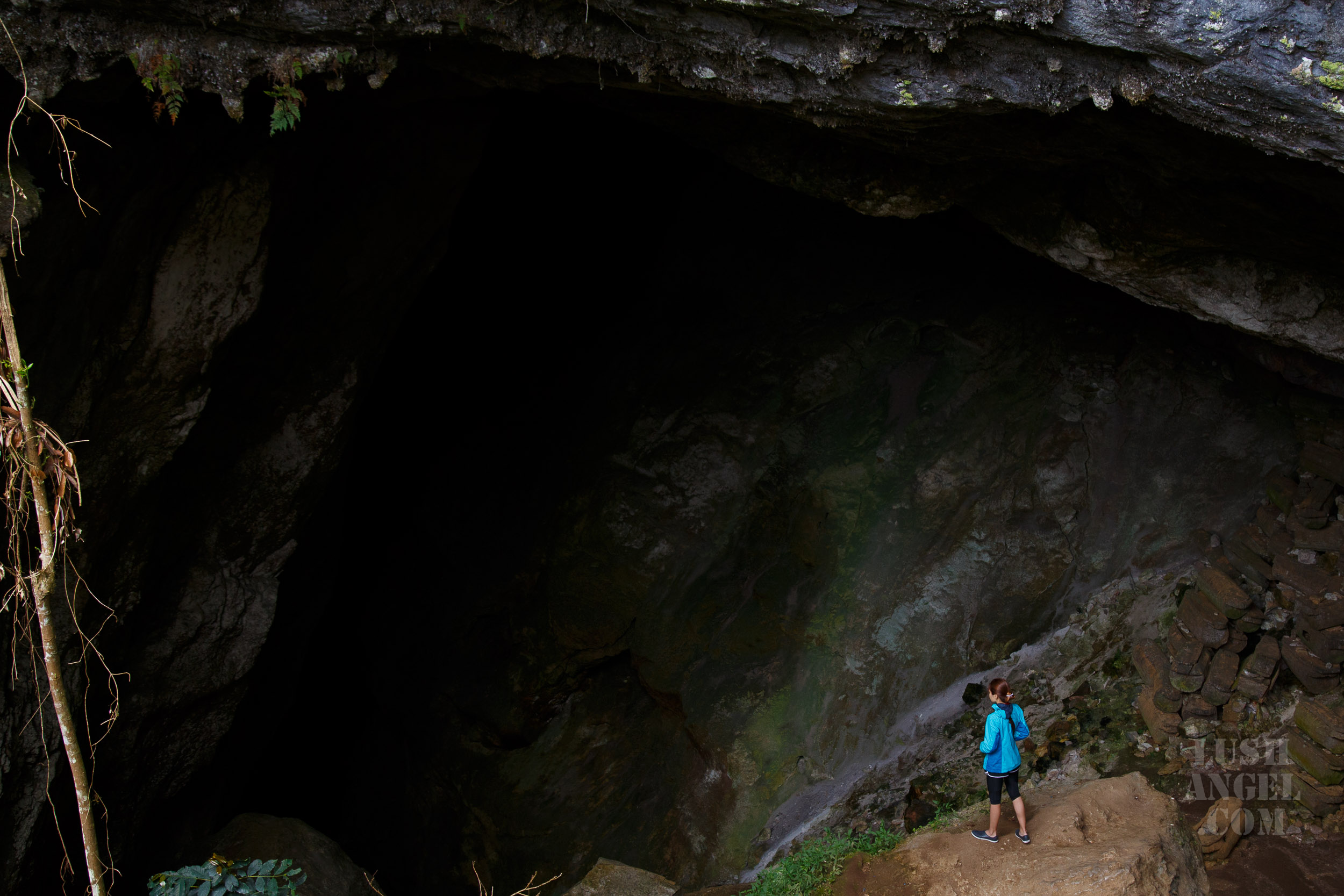 sagada-caves