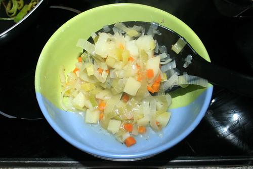 32 - Etwas Gemüse entnehmen / Remove some vegetables