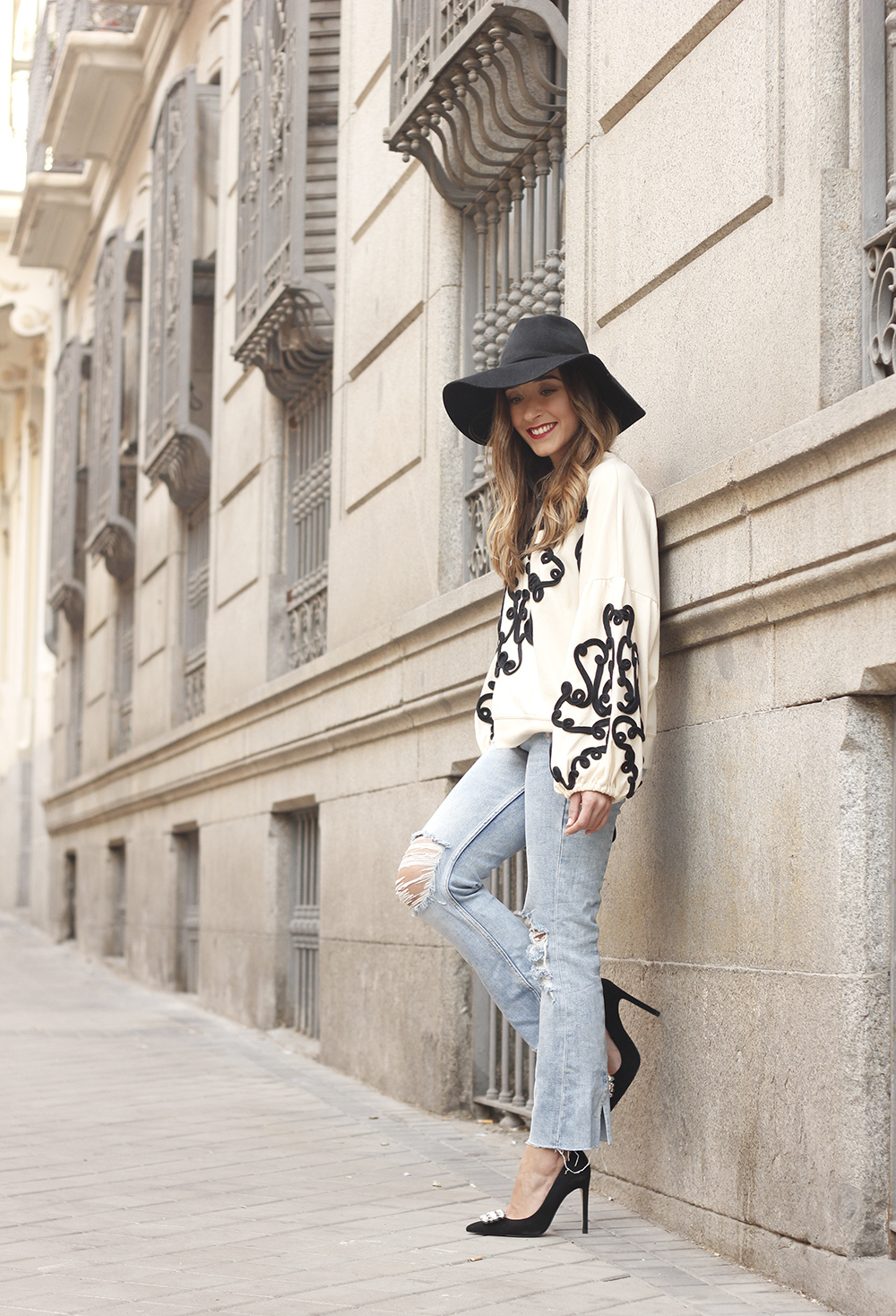 black and white sweatshirt ripped jeans black hat givenchy uterqüe jewel heels 13