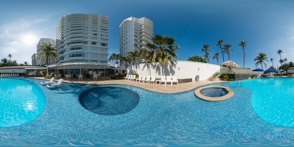 Piscina - Hotel Dann (Cartagena, Colombia)