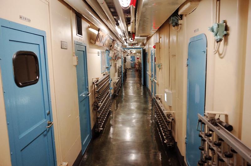 名古屋港南極観測船ふじ船内廊下