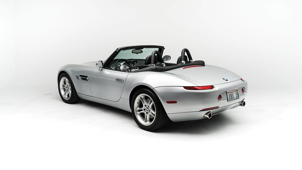 steve-jobs-2000-bmw-z8-auction4