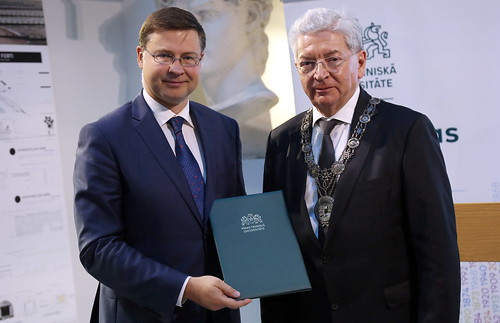 Eiropas Komisijas viceprezidents saņem RTU Goda biedra diplomu