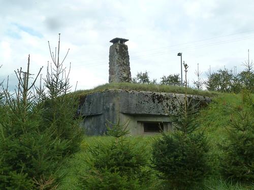 Bunker – komischerweise mit Kamin