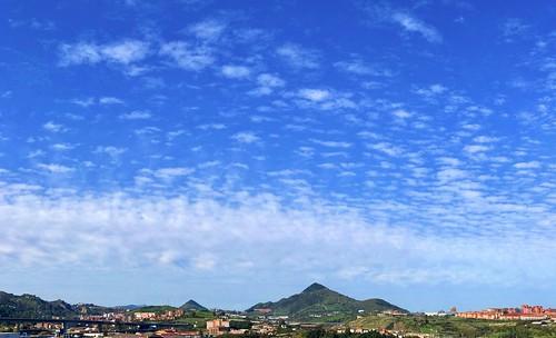 Nubes y claros