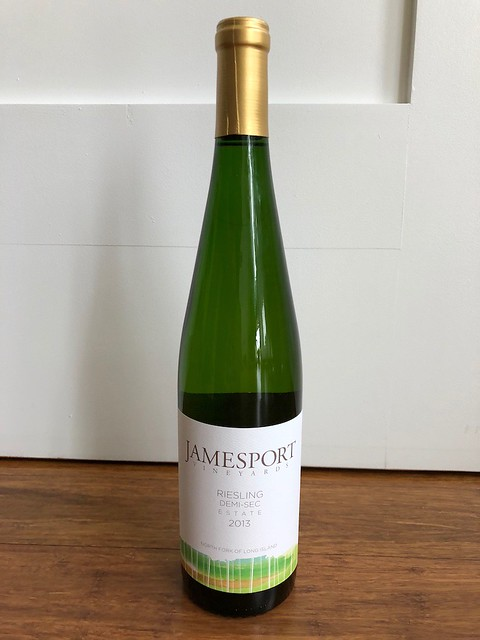 土, 2017-10-14 10:03 - Estate Demi-Sec Riesling 2013