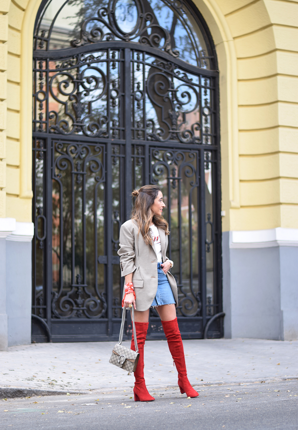 Houndstooth blazer denim skirt gucci bag red over the knee boots autumn outfit style fashion01