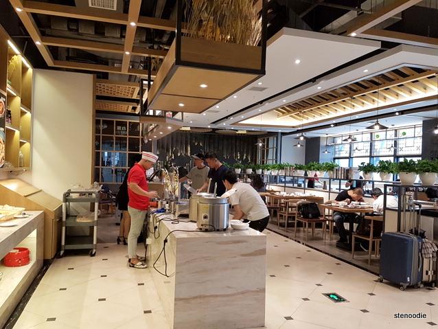 Yuantong Hotel buffet