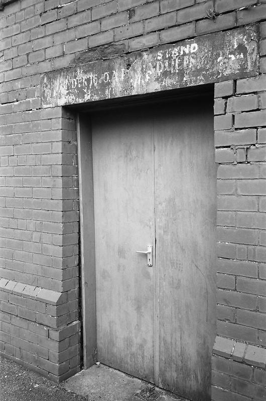 Door Stand