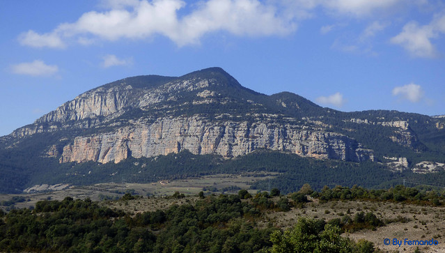 Solsonès 2017 - Exc 04 - Del Cardener a Riard -12- Cap d'Estaques -02- Roca de Puig Sobirà, la Feixana, Roca de Canalda y Tossal de l'Aliga