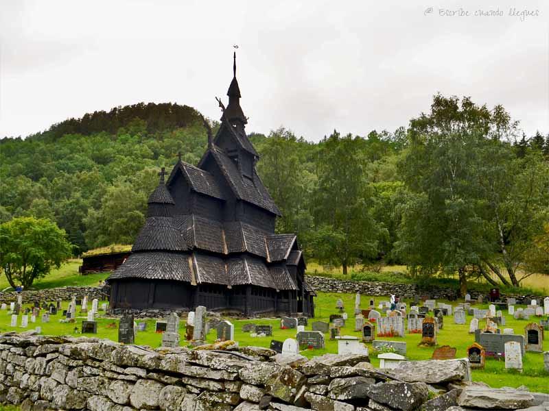 La stavkirke de Borgund es la iglesia de madera mejor conservada de toda Noruega