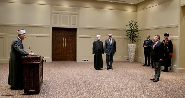 فضيلة القاضي الدكتور كمال الصمادي يؤدي اليمين القانونية أمام جلالة الملك عبدالله الثاني بتعيينه رئيسا للمحكمة العليا الشرعية