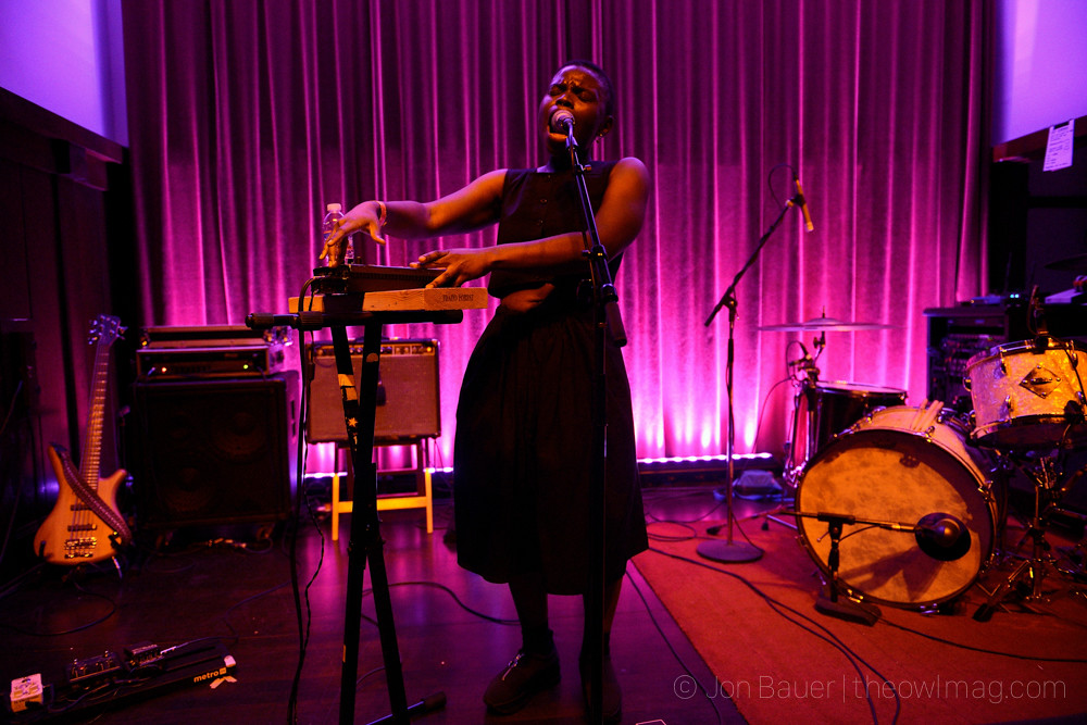 20170928 406 Vagabon at Swedish American Hall by Jon Bauer