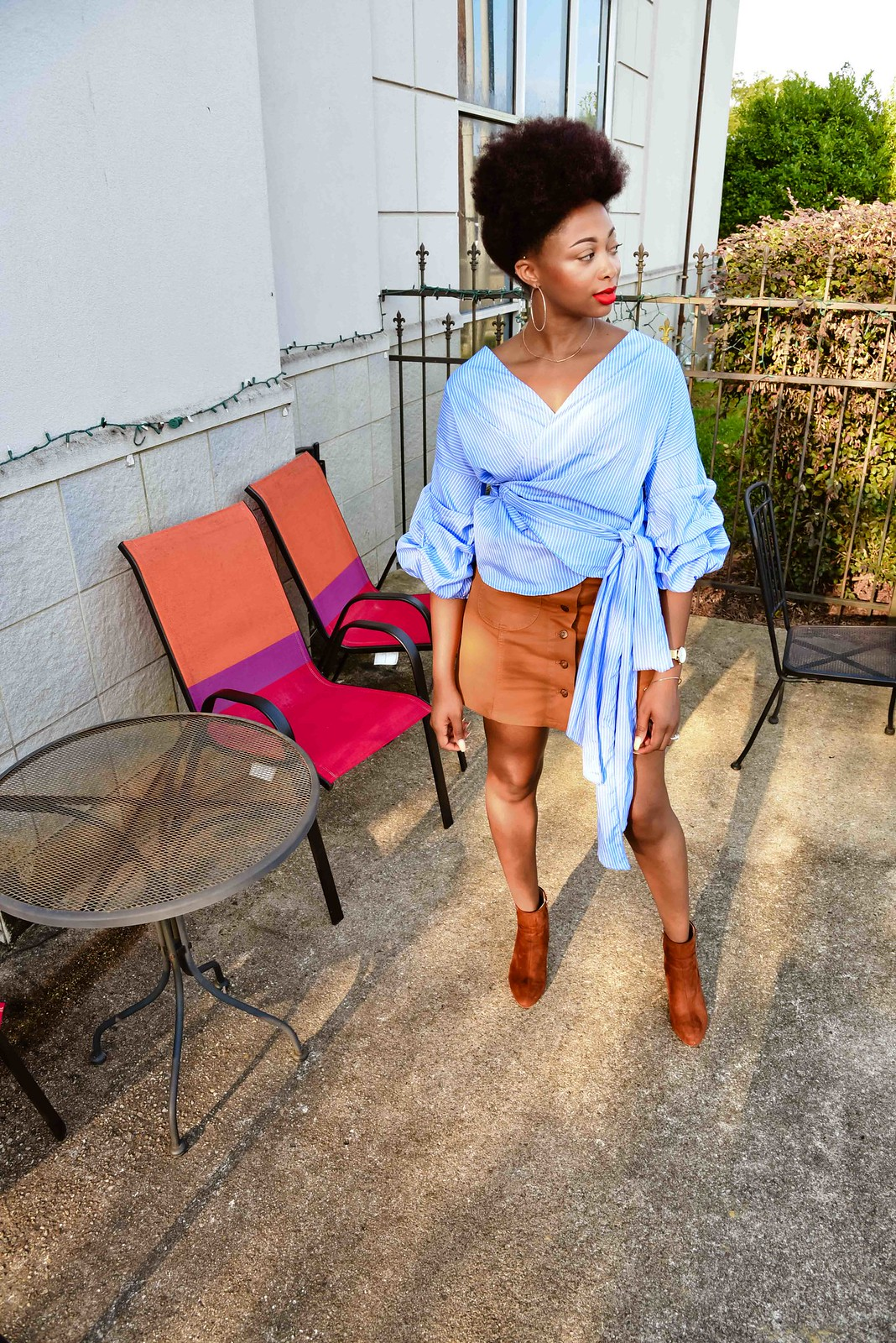 how to style a button front skirt