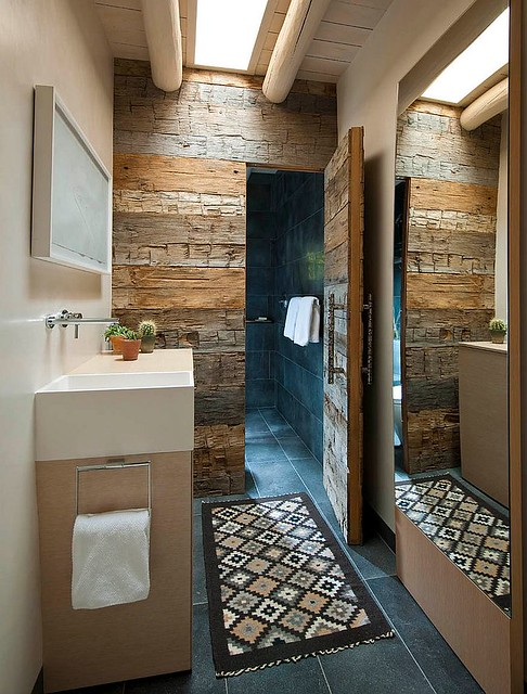 Ways to Transform Your Bathroom with Reclaimed Wood