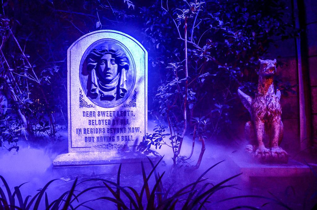 Leota tombstone MK Halloween
