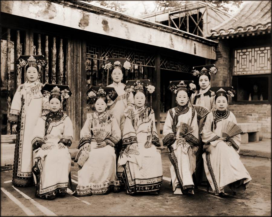 manchu-palace-ladies