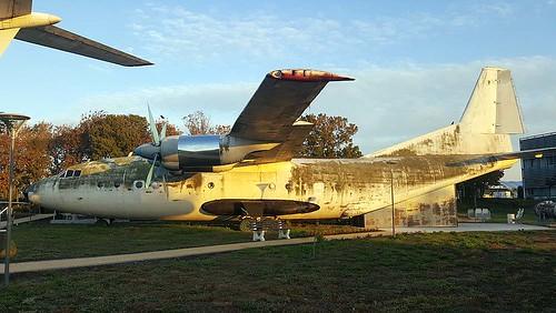 LZ-BAB AN-12 Burgas 22-10-17
