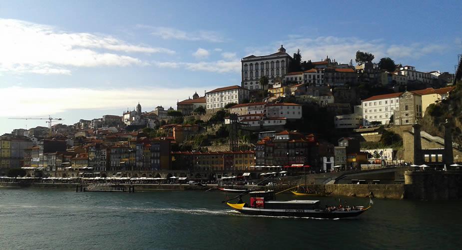 Uitzichtpunten in Porto: uitzicht vanaf Vila Nova de Gaia | Mooistestedentrips.nl