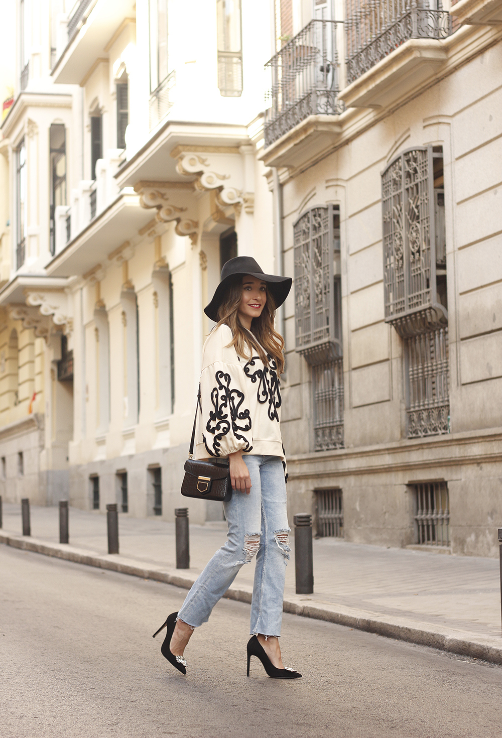 black and white sweatshirt ripped jeans black hat givenchy uterqüe jewel heels 03