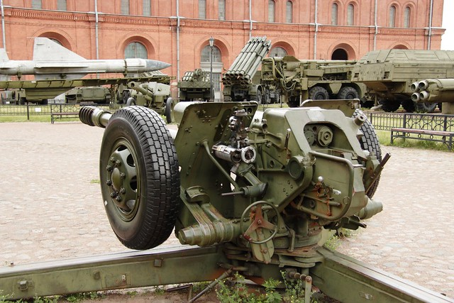 122 mm D-30 howitzer, Canon EOS 600D, Canon EF-S 17-85mm f/4-5.6 IS USM