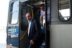 Prefeitura apresenta novos ônibus à população