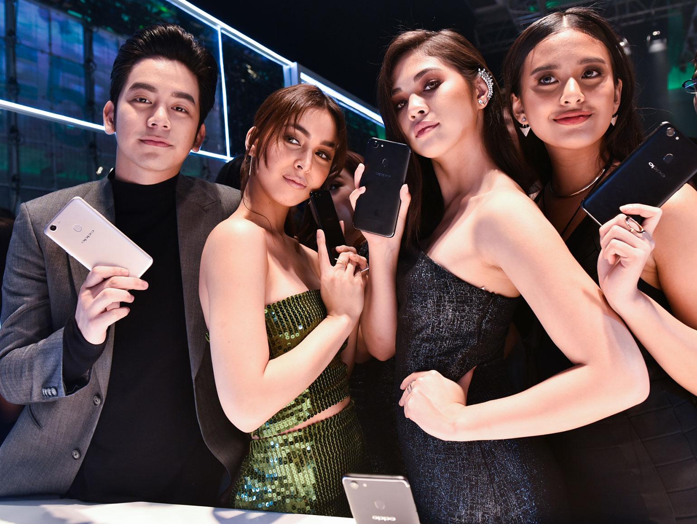 16 OPPO F5 Review - Selfie Expert - Capture The Real You - Gen-zel She Sings Beauty