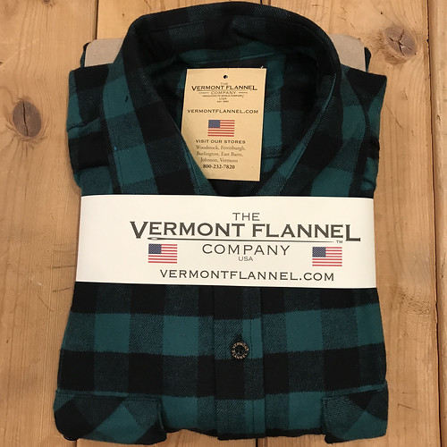 THE VERMONT FLANNEL:GREEN BUFFALO