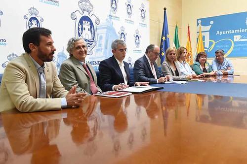 1-FIRMA CONVENIO BARRIO DE LA CARIDAD1