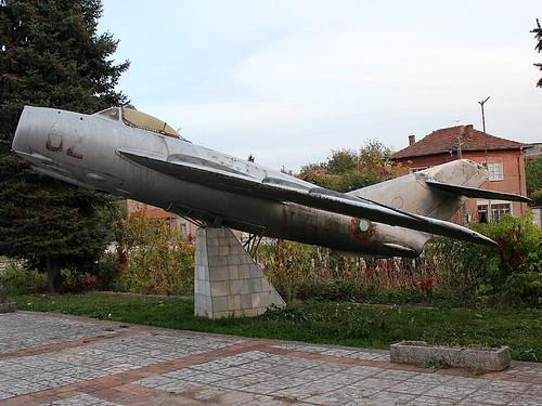 82 MiG-17 Kamenets 22-10-17