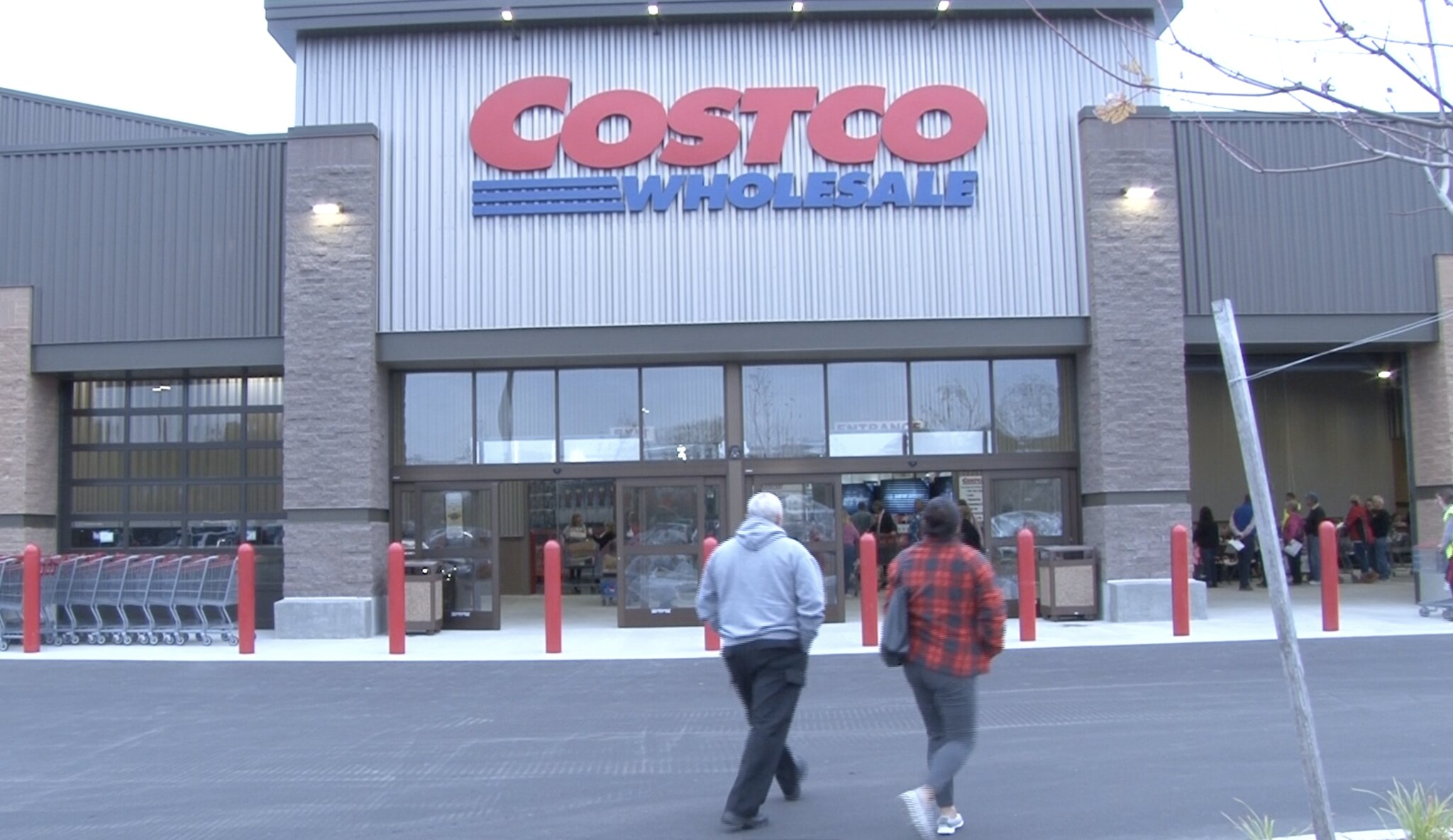 Costco Opens Its Doors in East Lansing