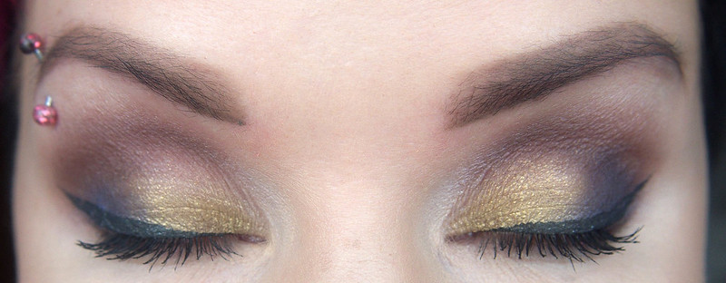 Giordani Gold Marbleised eyeshadow