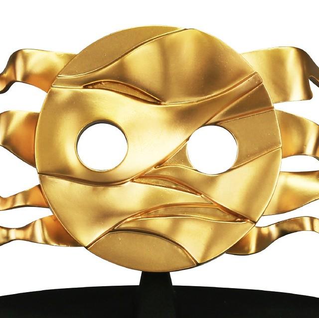 遺失多年的【第四張臉】終於復原!海洋堂 1/43比例 岡本太郎『地底的太陽』塗裝完成模型(地底の太陽 塗装済み完成モデル)