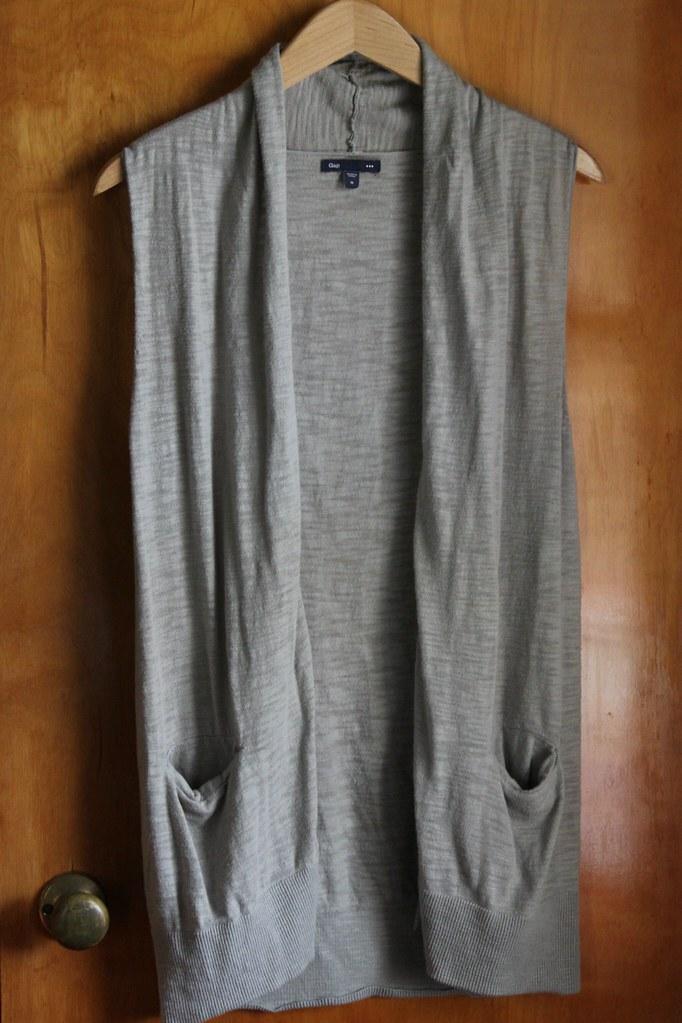 Gap grey vest