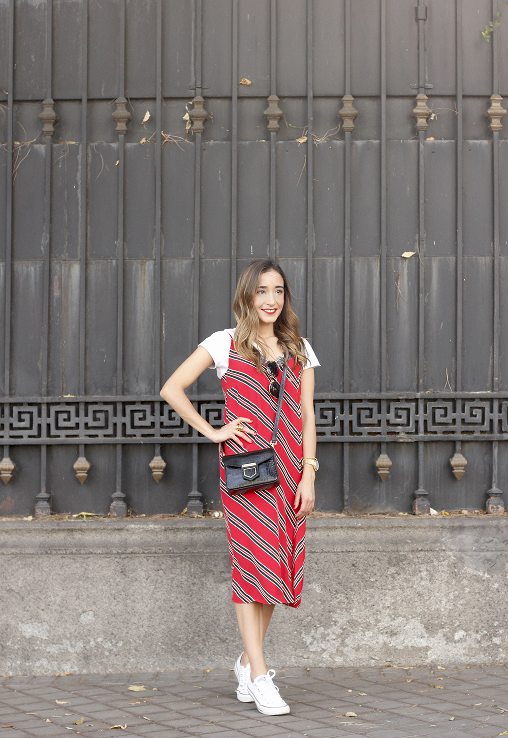 Striped midi dress T-shirt givenchy dress converse outfit trend style fashion06