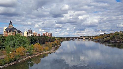 olympus omd em5 saskatoon saskatchewan canada southsaskatchewanriver river cloudy autumn fall