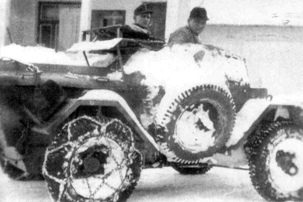 Autoblinda-Lince-HQ-platoon-14PolPzKp-1944-45-bpz-2