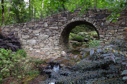 garvanwoodlandgardens hotsprings arkansas usa botanicalgarden garden forest woods water river falls bridge naturalstone wood tree trees circularbridge green landscape landscapes pforplevel00 pforplevel01