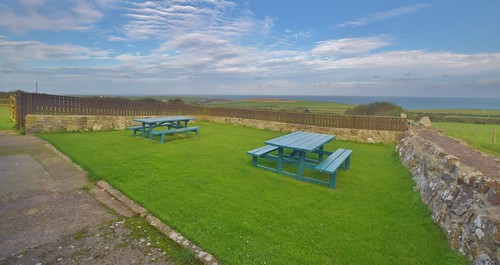 Caerhafod Lodge Pembrokeshire Coast - picnic area and views from the hostel