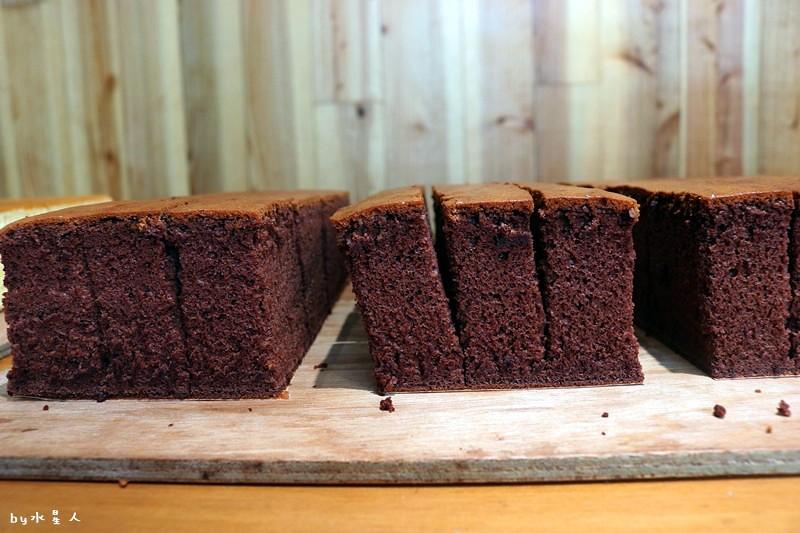 23796403908 4e347aaa6f b - 熱血採訪|福久長崎蛋糕,日式慢火烘焙工法,口感濕潤有彈性,安心無添加,濃郁巧克力香氣